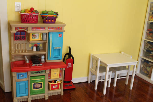 Kitchen and Table Set